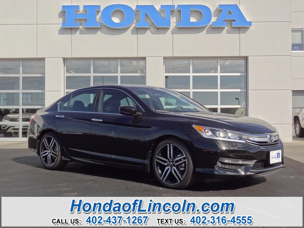 new 2017 honda accord sport se 4d sedan near omaha f1078 honda of lincoln. Black Bedroom Furniture Sets. Home Design Ideas